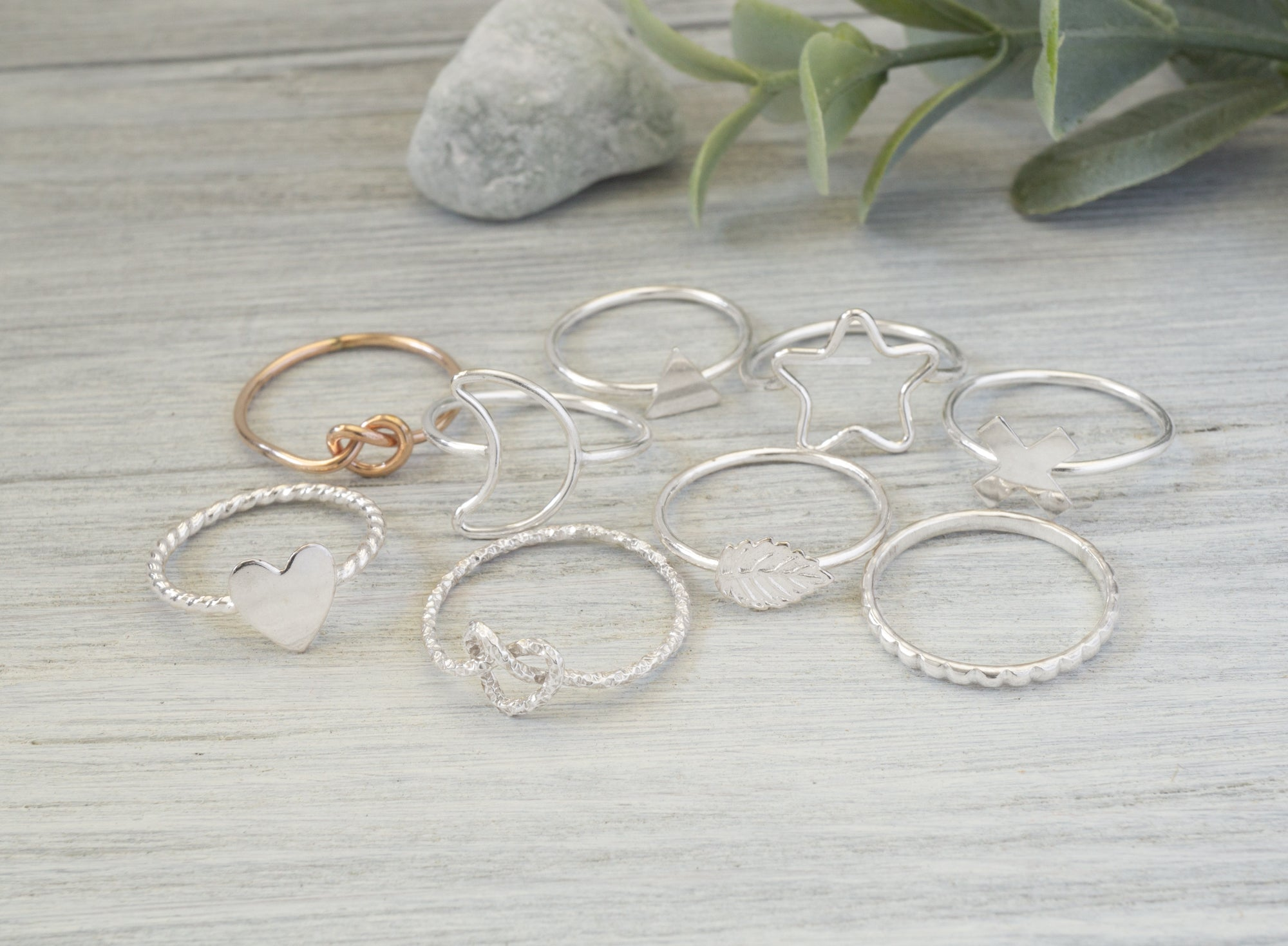 Simplicity Charms Midi Rings