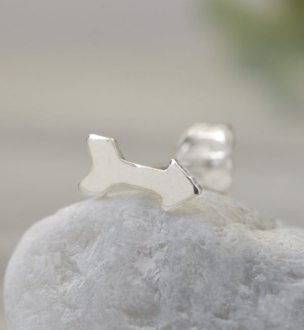 Sterling Silver Single Arrow Stud