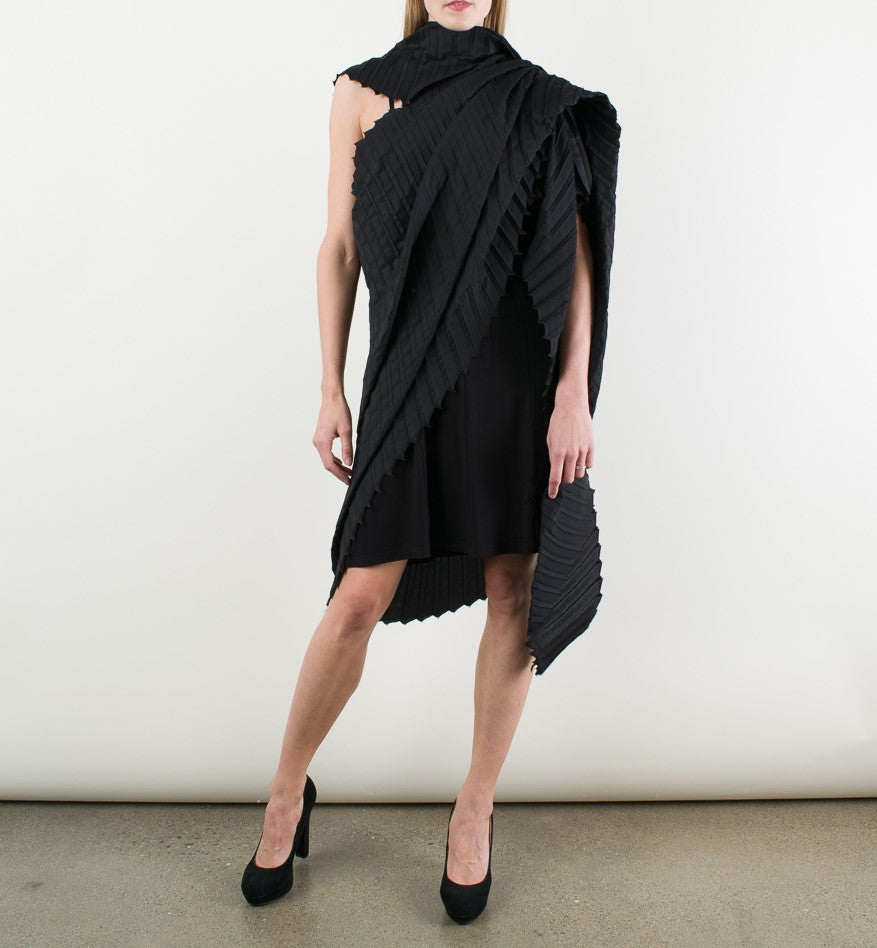 Black stylish pleated wrap by Storytailors