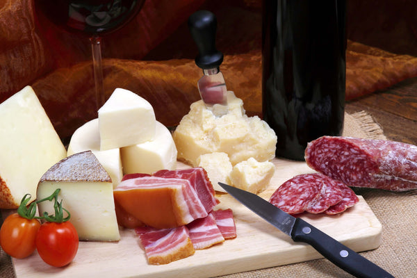 Sausage, cheese, red wine contain a lot of   histamine