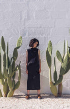 Load image into Gallery viewer, Aloe Vera-Infused Italian Linen Summer Silhouette Dress, Black