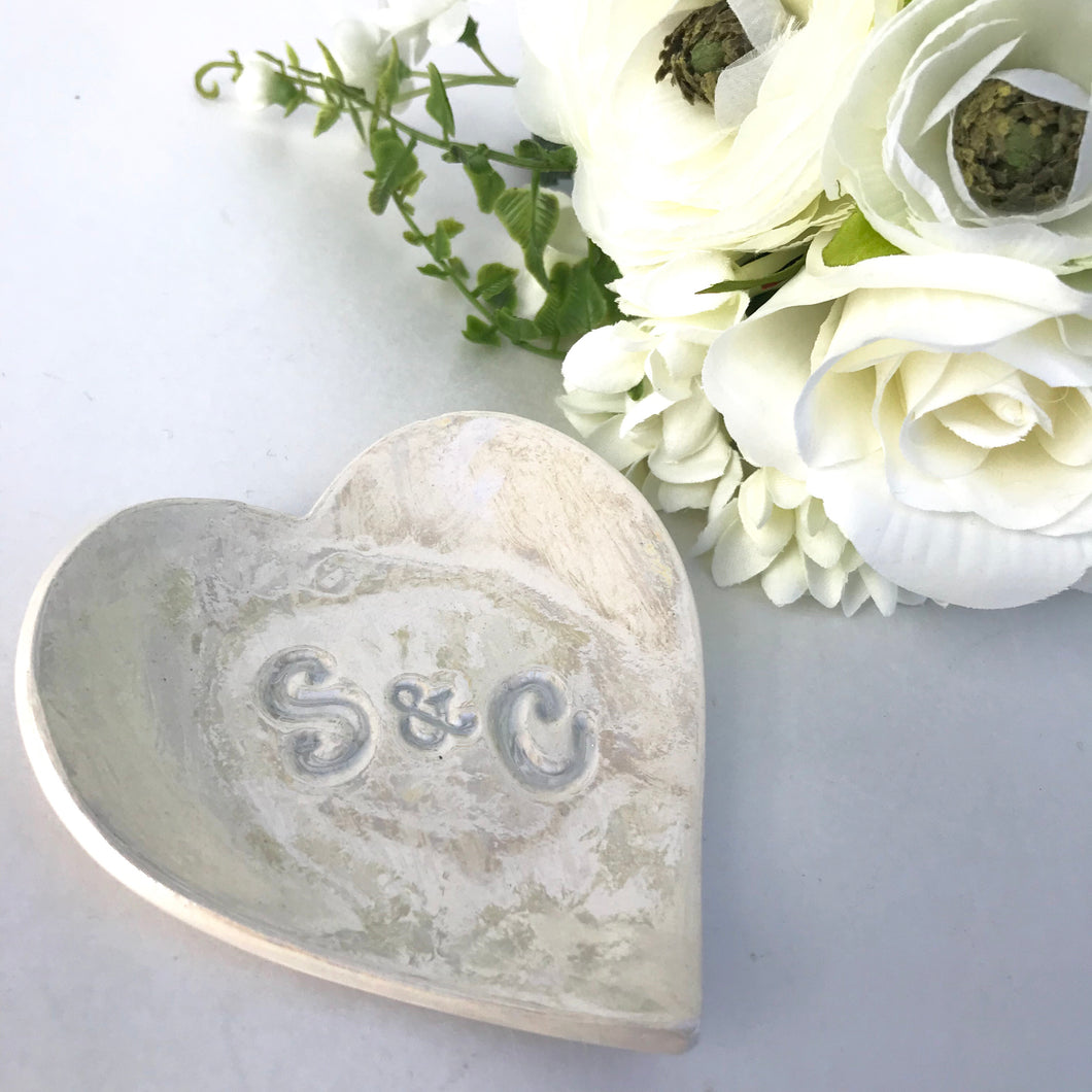 Heart initialled ring dish - Fabaclay