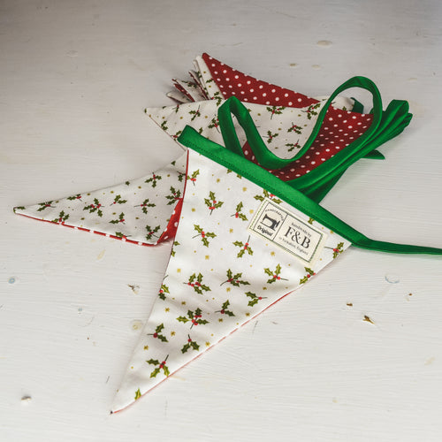 Country Cottage Style Christmas - Holly Print Christmas Bunting 3m by F&B