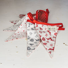 F&B Country Christmas - Handmade Scandi Style Bunting in Red and Grey 3m long with 15 segments - Christmas Bunting