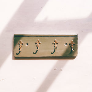 Dark Green fleur de lis key ring rack with four hooks handmade in yorkshire using recycled wood and hooks