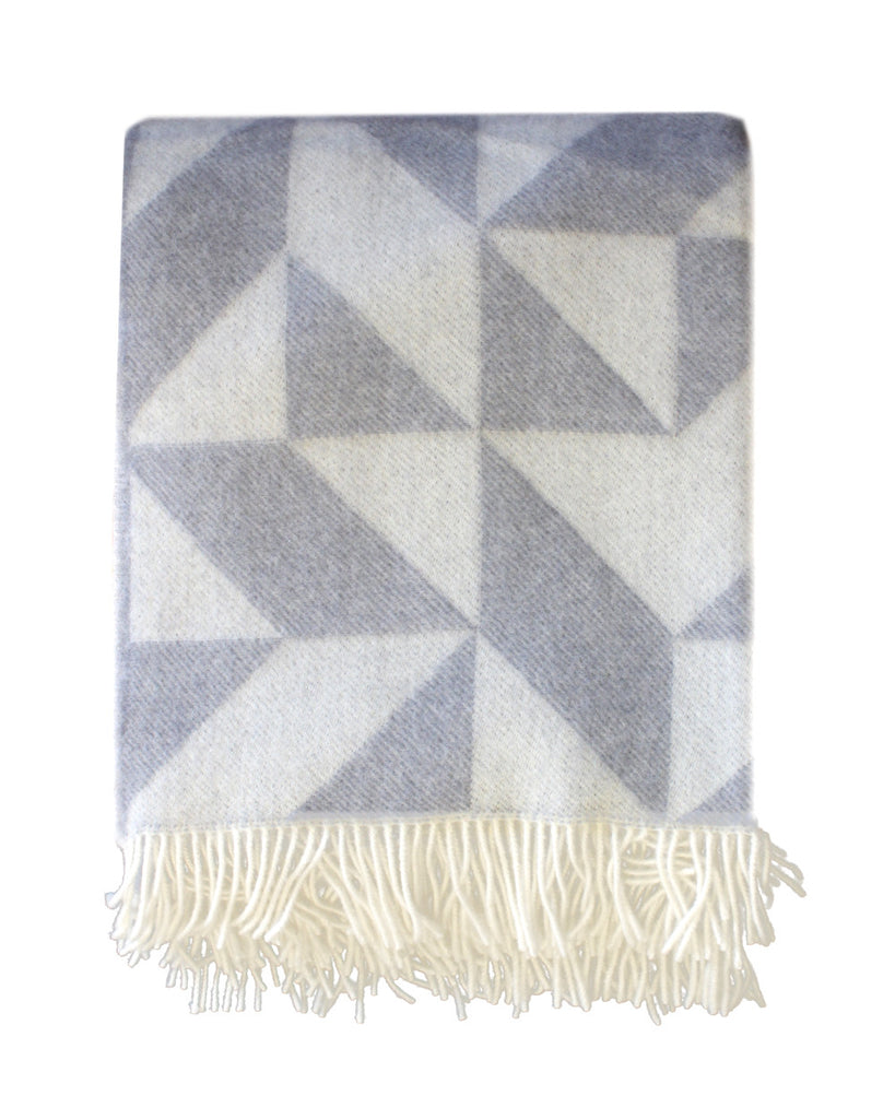 GEO BLANKET: Dove Grey