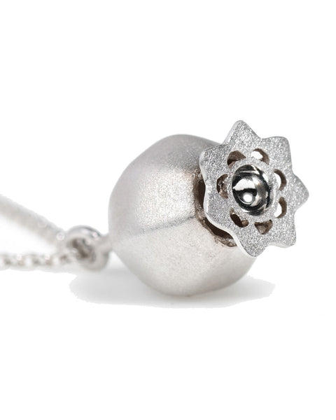 V. WALKER POPPY POD NECKLACE (SILVER)