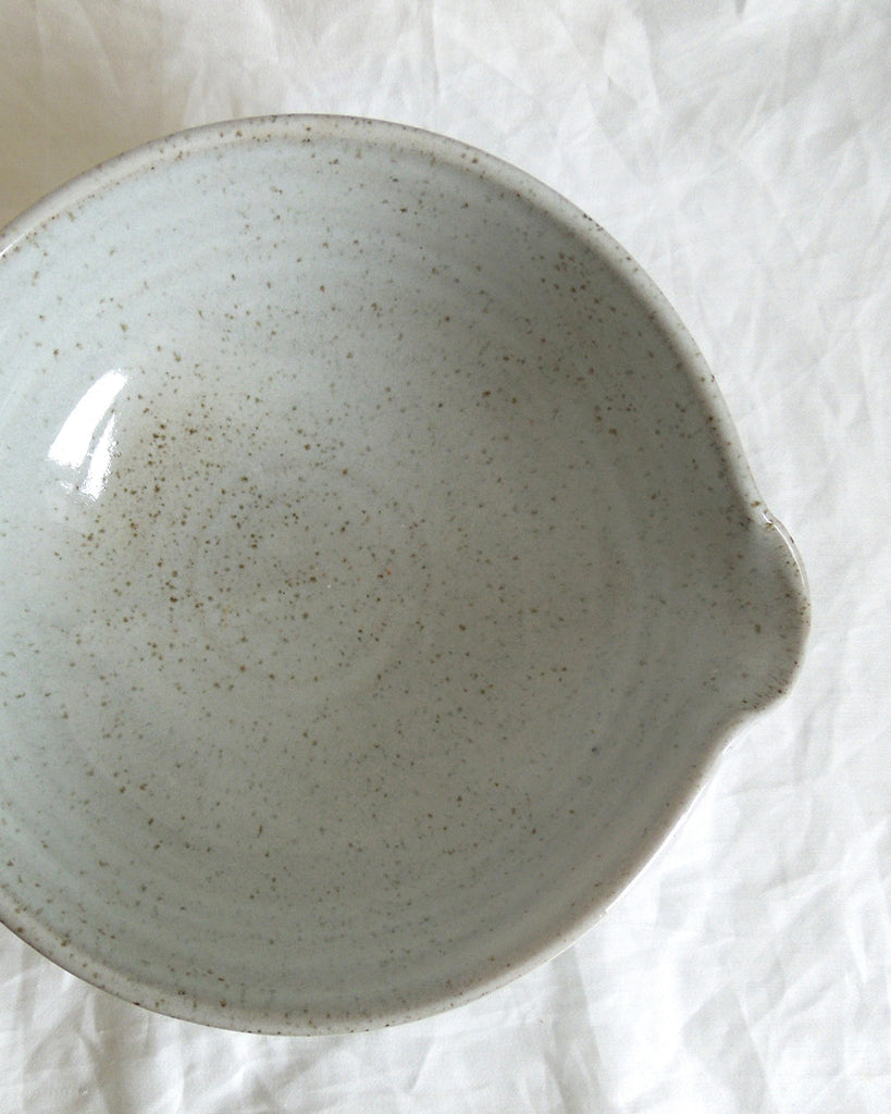 KITCHEN POTTERY Bowl Spouted (Egg Shell)