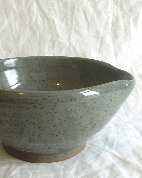 KITCHEN POTTERY Bowl Spouted (Moss)