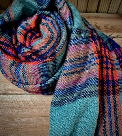 Thick winter scarf in crimson and teal check