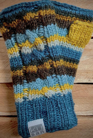 CABLE KNIT HAND WARMERS Denim/Mustard