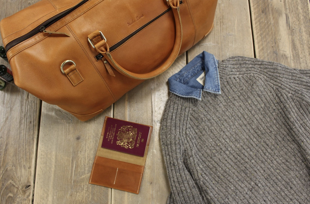 How to Pack a Holdall by Niche Lane