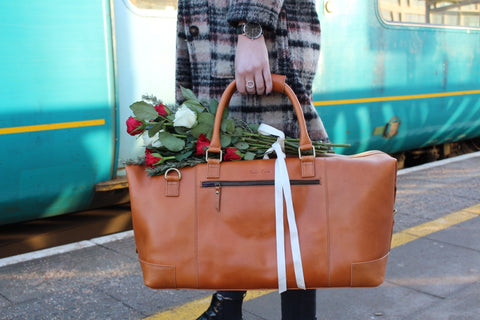 leather-holdall-romantic-getaway