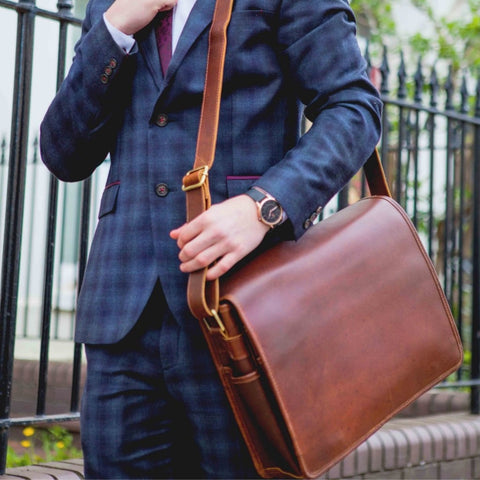 leather-messenger-bag-mens-laptop-compartment-cardiff