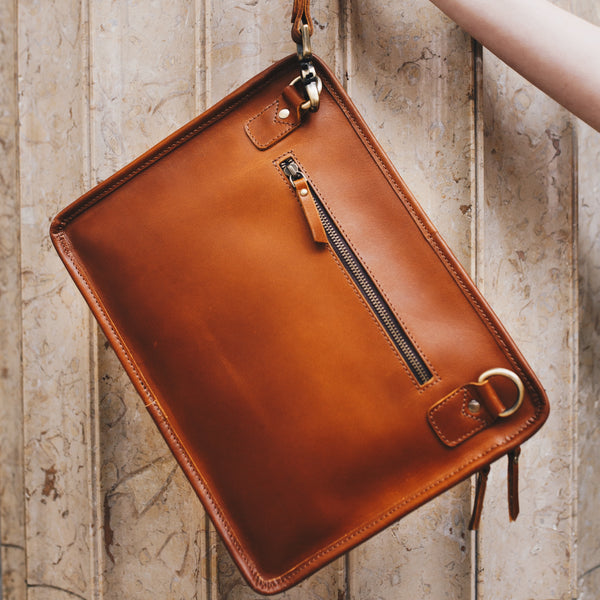 Leather tablet bag tan for men and women
