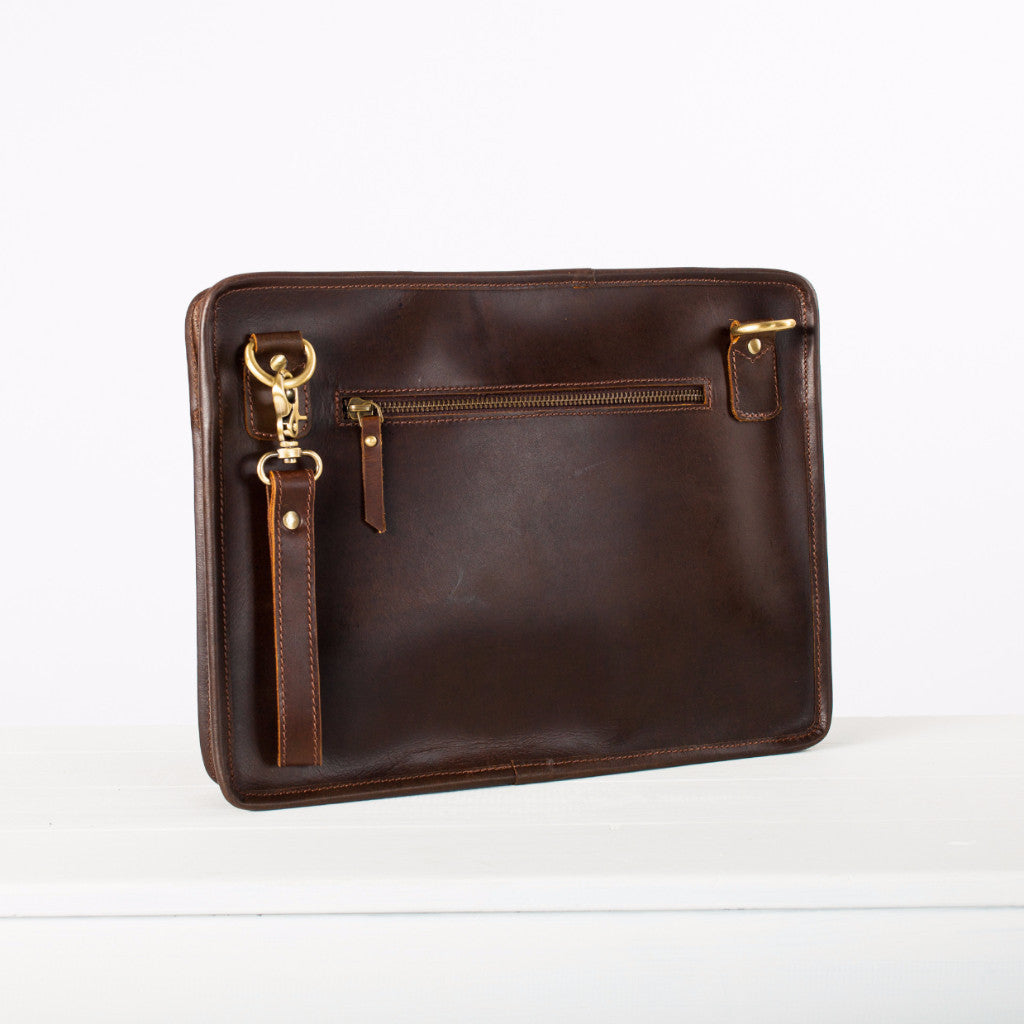leather-ipad-bag-buffalo-tech-pouch-niche-lane