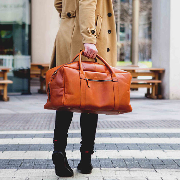 Men s leather holdall in dark brown or tan perfect weekend bag ... 8f3b88d1f47b