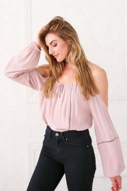 NINA COLD SHOULDER TOP IN DUSTY PINK