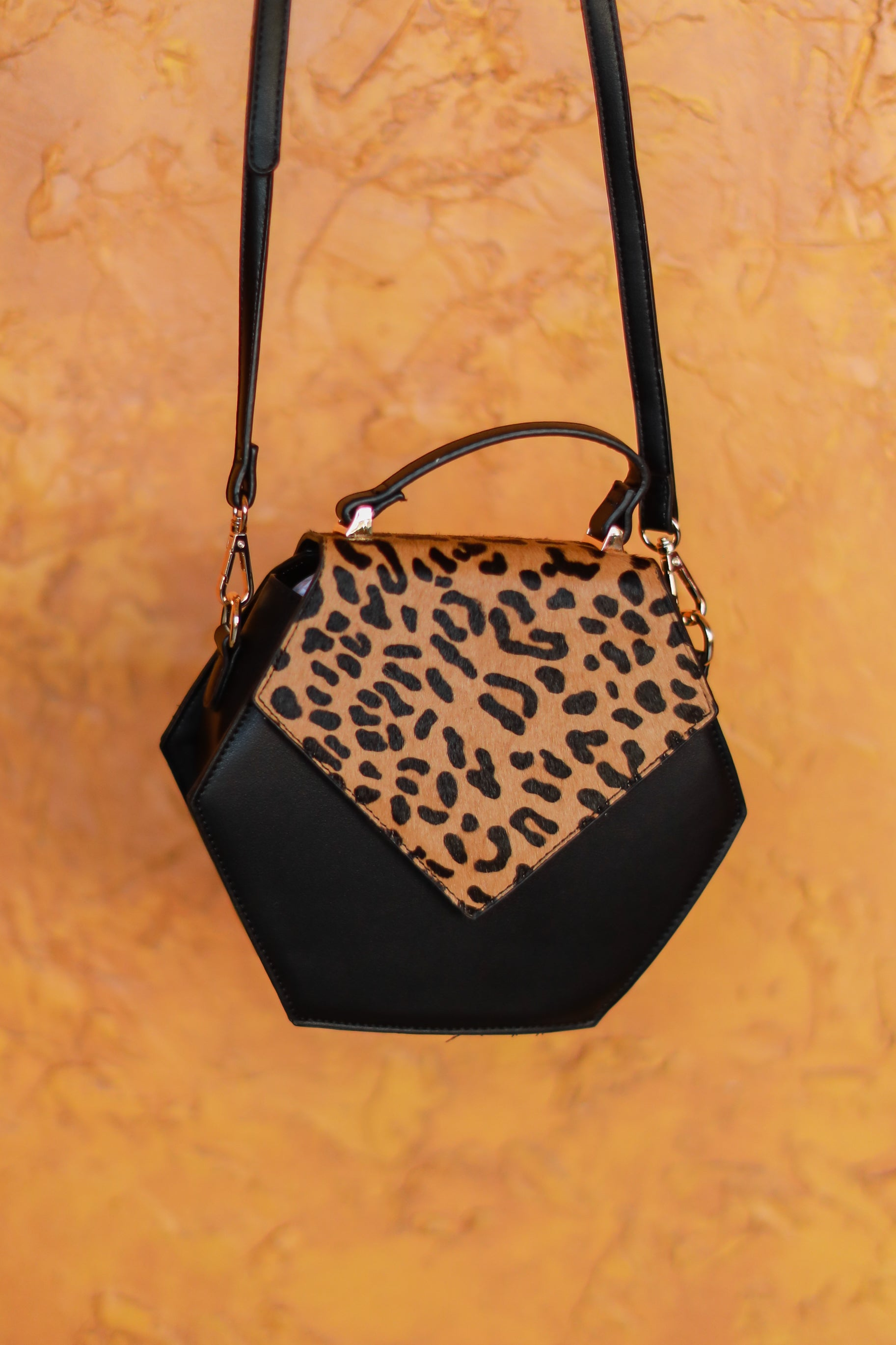 LEOPARD HEXED PURSE