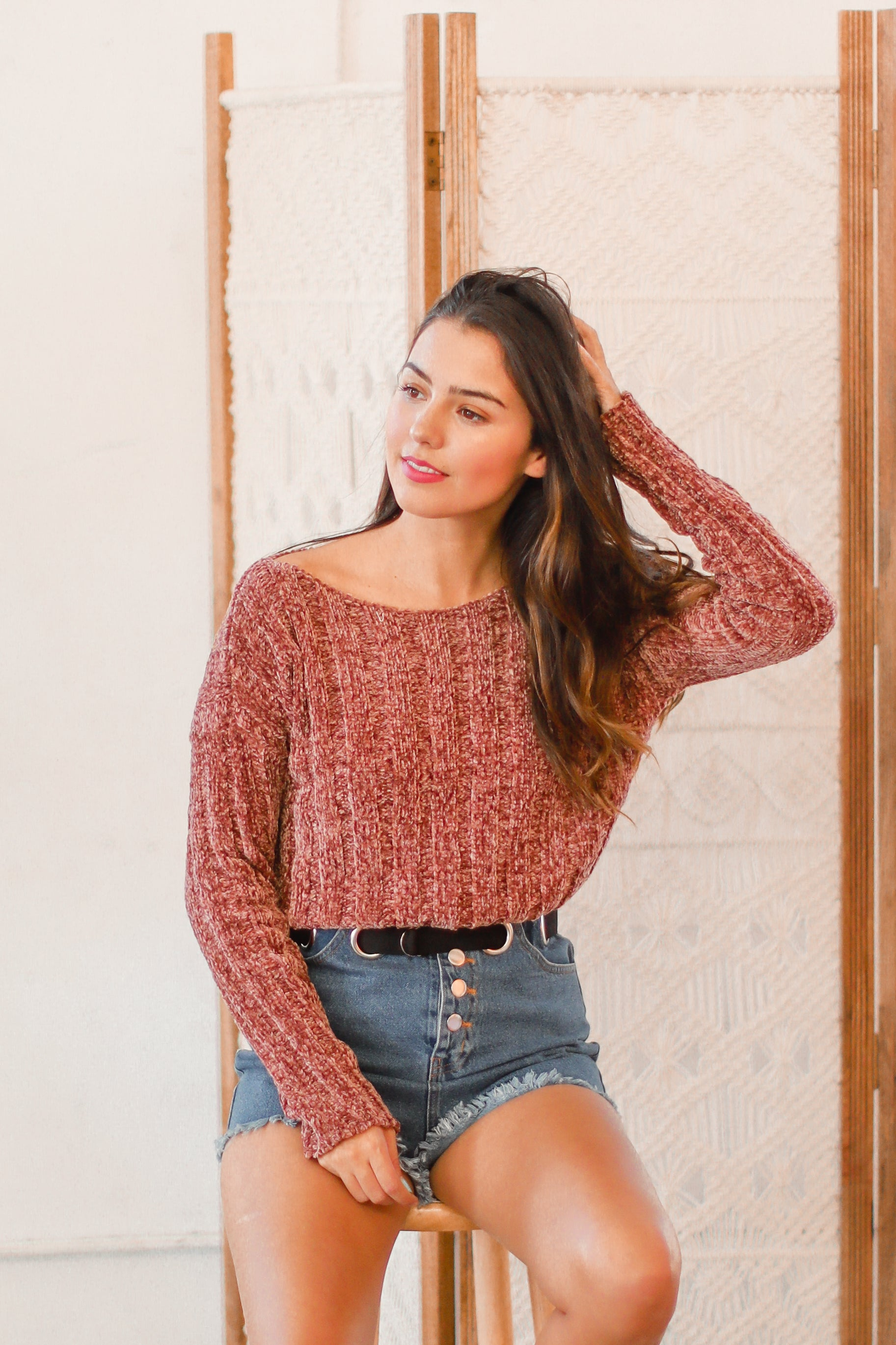 STAY CLOSE MAUVE CROPPED SWEATER