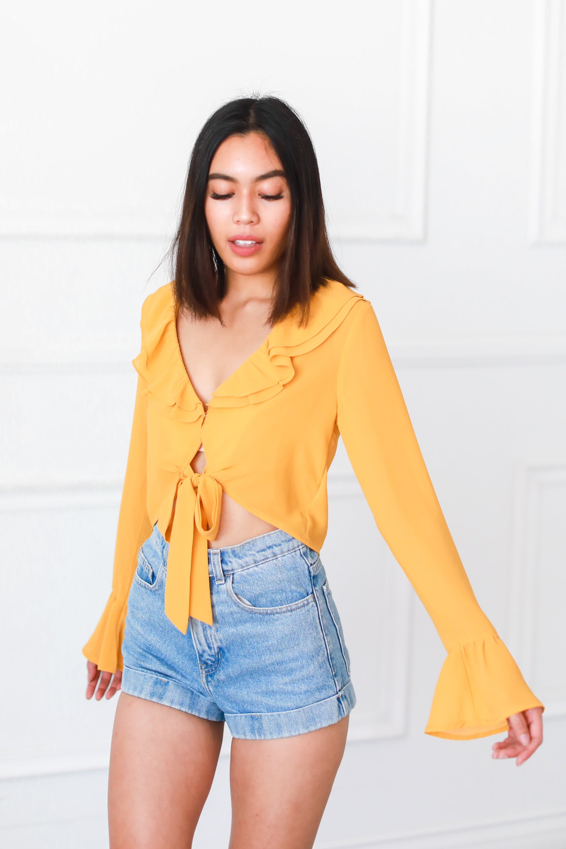 AMBER TIE FRONT RUFFLE TOP