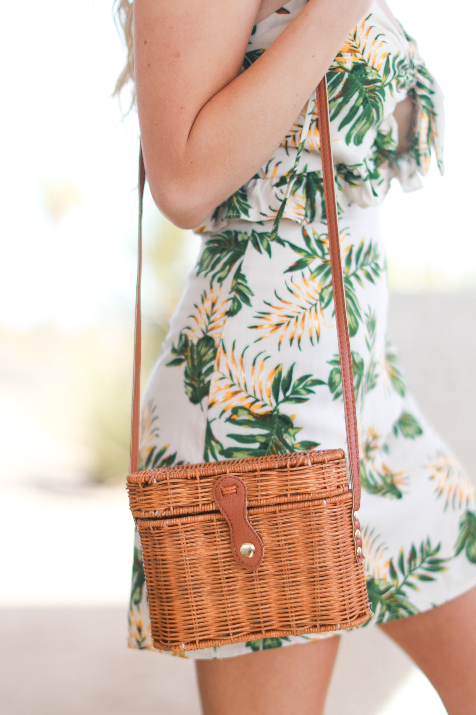 WALK IN THE PARK STRAW CROSSBODY BAG