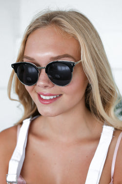 ZOE SUNNIES IN BLACK