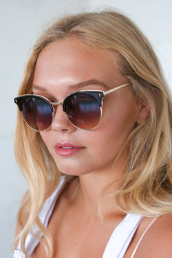 ZOE SUNNIES IN BROWN