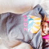 Shop online for this beautiful dark grey Mountain Hoodie, a top made for girls, from BIRDZ. Free shipping on orders over 75$ CA & over $100 US. Get 10% off your first order. Order online !