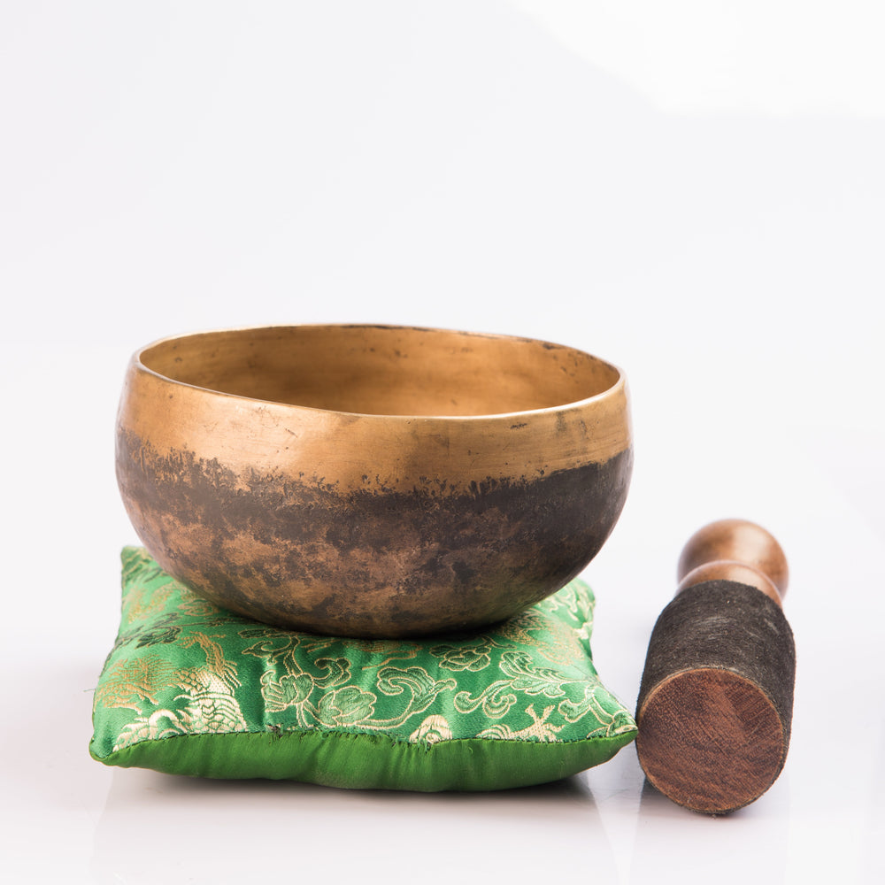 Hand Hammered ~ Growth & Harmony Design Singing Bowl Silent Mind - Silent Mind