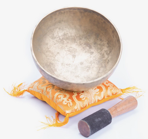 Load image into Gallery viewer, Antique Jambati ~ Singing Bowl ~ Chakra Tune For Chakra Healing, Meditation And Yoga