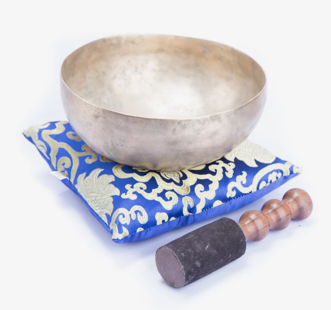 Load image into Gallery viewer, Special Handmade Bronze ~Singing Bowl ~ For Chakra Healing And Sound Therapy
