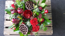 oasisflorists-terenure-dublin-flower-delivery-sameday-christmas-candle arrangement