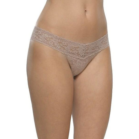 Hanky Panky Signature Low Rise Lace Thong 4911