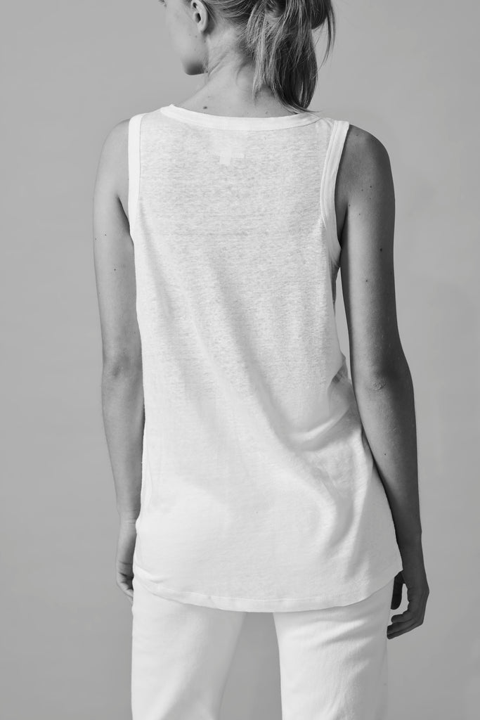 Femmie WW031.  Pure, simple and beautiful, the Linen jersey vest.