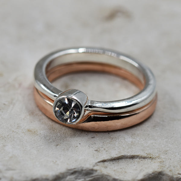 Double ring with plain band and thinner band with crystal