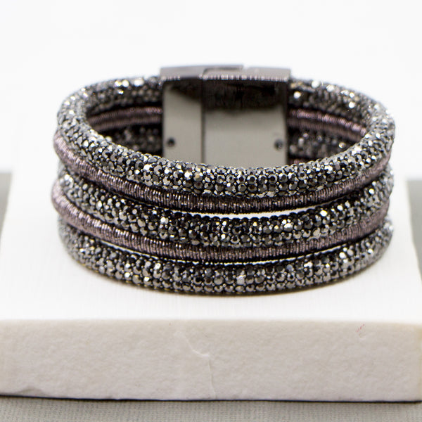 Multistrand dressy cuff with magnetic clasp