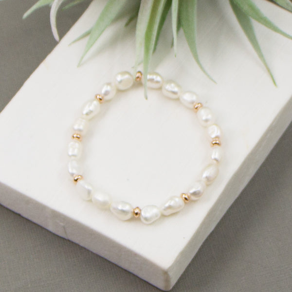 Real pearl beaded bracelet with rosegold spacers