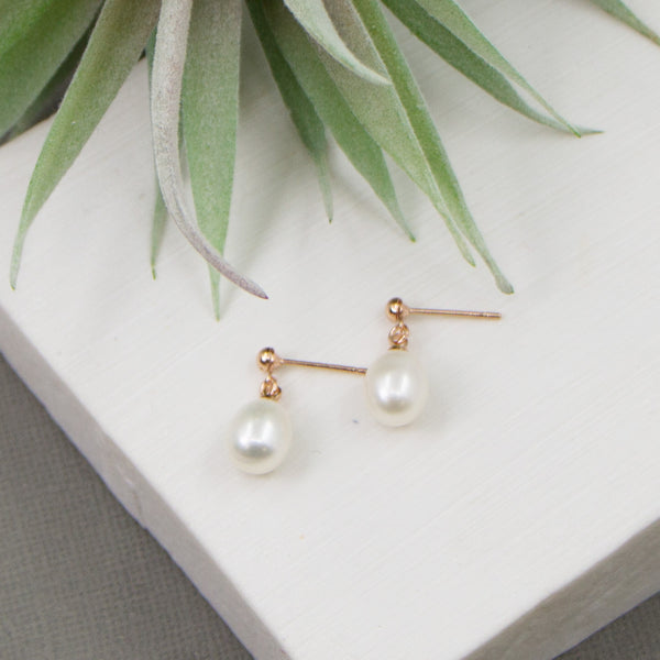 Rosegold drop earrings with real pearls