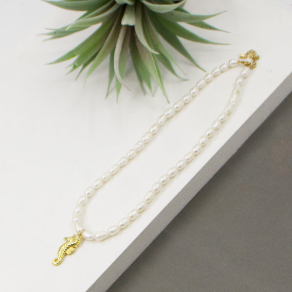 Real pearl beaded necklace with sea horse pendant