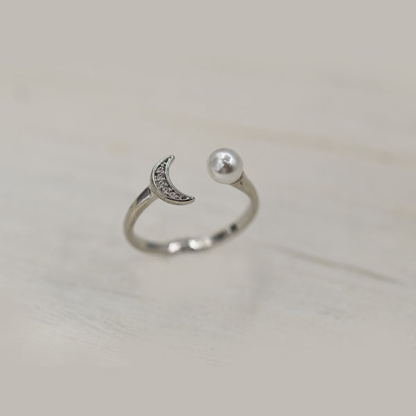Rhodium crescent and pearl ring