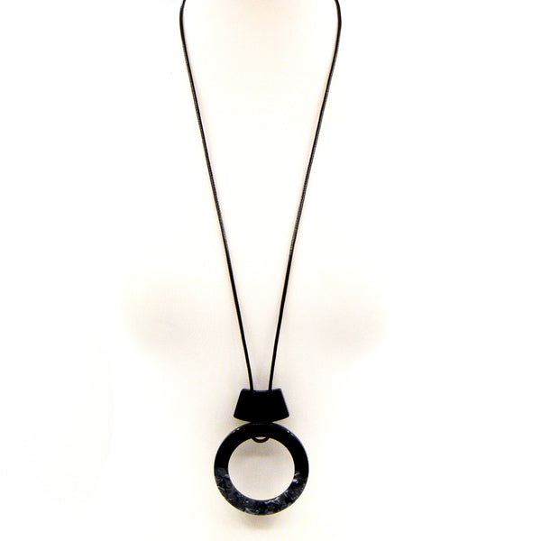Open circle resin pendant long necklace