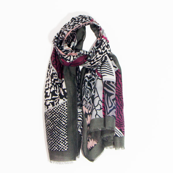 90cm x 180cm Geometric abstract animal print substantial scarf 100% viscose