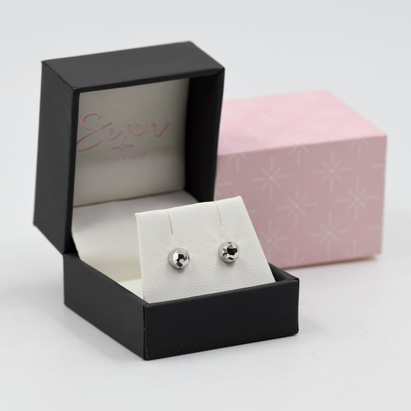 Dome shaped stud earrings 6mm