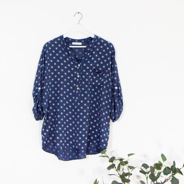 Star print collarless viscose shirt