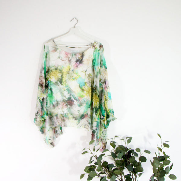 100% Silk batwing sleeve top with print