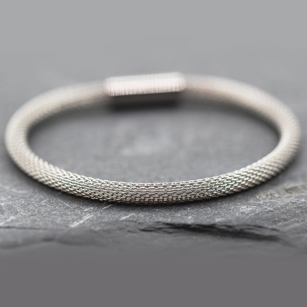 Stainless steel rope style bracelet with magnetic clasp