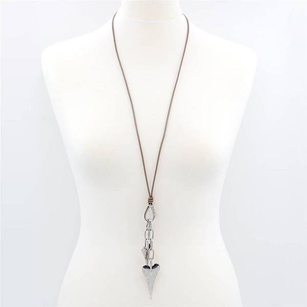 Elongated hearts with chain detail on long leather necklace