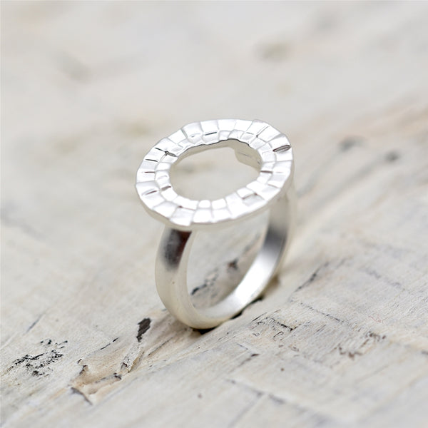 Mosaic style open circle ring