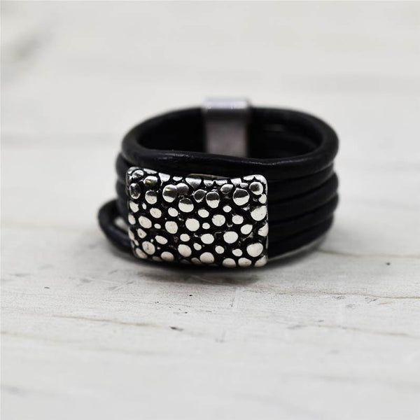 Black leather ring with stingray skin effect component